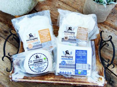 Πολύ μαλακό τυρί βιολογικού τυρογάλακτος, αλατισμένο, με μοναδική γεύση που παράγεται με τον παραδοσιακό τρόπο. Κατάλληλη για πίτες αλλά και ως εναλλακτική πρόταση για τους οπαδούς της διατροφής με λίγα λιπαρά.   Συσκευάζεται σε vacuum για μεγαλύτερη διάρκεια στη γεύση!