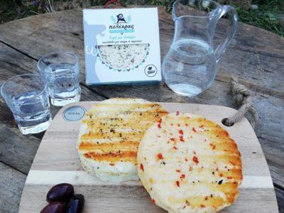 Τυρί με μπούκοβο και δυόσμο. Ένας ξεχωριστός μεζές που δεν πρέπει να λείπει από το τραπέζι σας. Κατάλληλο για σχάρα ή σαγανάκι.